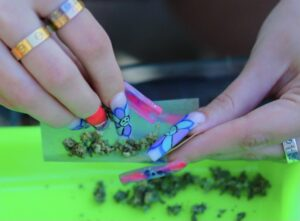 Breaking Up Weed with long Nails while saving your manicure